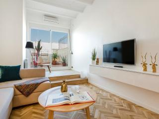 Homearound Exclusive Penthouse with terrace, Barcelona