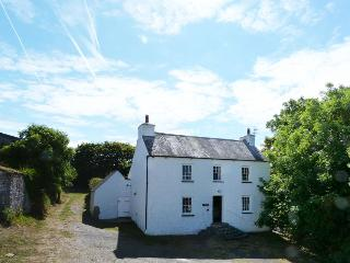 Ty'r Castell, Pembs, can walk to beach - 23040