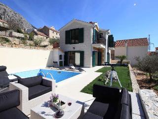 Villa Maccarena, Makarska
