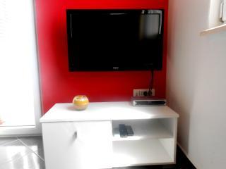 Apartments Andrijanic 4 red, Promajna