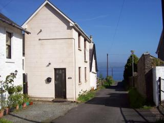 The Snug, a cosy holiday cottage on Argyll coast