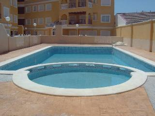 Lovely apartment in Vegamar complex, Almoradi, Almoradí