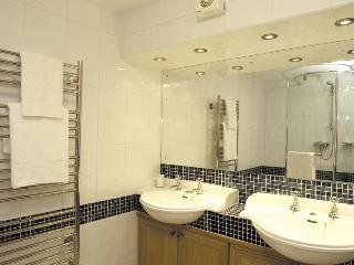 Bovisand Heritage Apartments - Rodney Shower Room