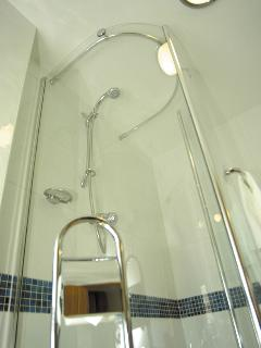Bovisand Heritage Apartments - Rodney Shower