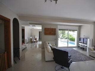 Luxurious Modern Villa with Pr, Barcellona
