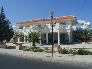 COLONIAL FAMILY APARTMENTS, Faliraki
