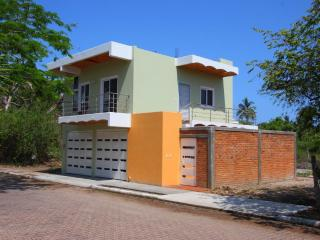 New home close to beach, Rincón de Guayabitos