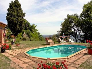 Adorable cottage with its own pool and garden in the peacful Tuscan countryside