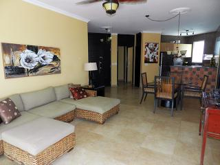 F3-2C, Modern 2 bedroom Condo, Farallon (Playa Blanca)