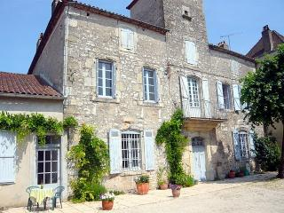 Maison Delmas in the Lovely Lot Valley, Puy-l'Eveque