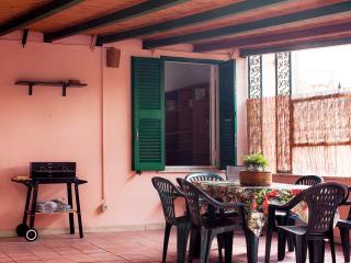Cheap and Chic! Sleeps 9 in Rome!, Roma