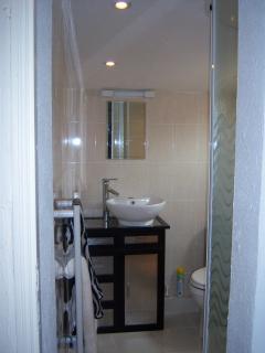 En suite shower to Bedroom two
