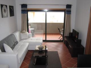 Modern  2 Bed Apartment, Armacao de Pera