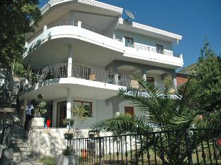 Villa Alexandra, Dulcigno