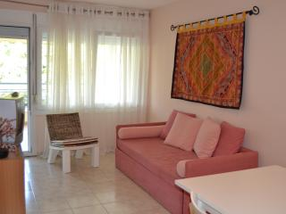 ATHINA - Paralia Holiday Apartment