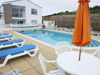 MAWGAN PORTH-*AMAZING BEACH LOCATION-GREAT VALUE*