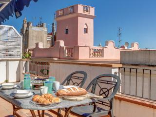 Penthouse Parellades, 3 bed luxury in the heart of Sitges with great sea views.
