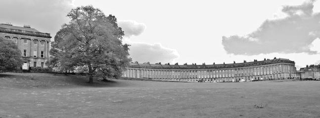 A FEW MINUTES WALK TO ROYAL CRESCENT
