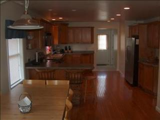 House with two modern spacious units each sleep 12