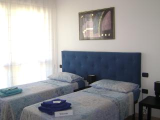 Sapphire room, just a few minutes from Airport!