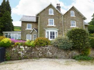 WOODLEA, pet friendly, character holiday cottage, with a garden in Rosedale Abbe