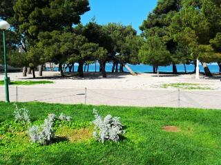 Holiday Apartment Directly on the beach A4, Makarska