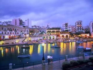 2 Bedroom Apartment - Spinola Bay - St Julian's, Malta (8 persons max)