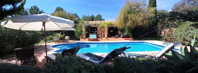 El Algahr - Cal Jondal - Ibiza - Swimming-pool view
