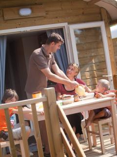 Petit déjeuner en terrasse