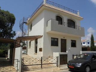 Konnos Villa, Protaras