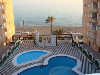 ULTIMA HORAApartamento piscina primera linea playa