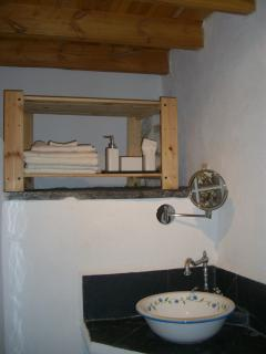 Bathroom with authentic basin