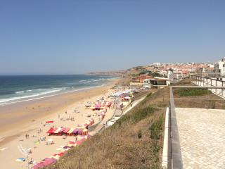 5-minute walk to main beach and promenade with cafés