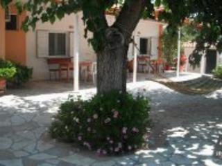 Die grüne Villa Kakovatos in der Nähe des antiken Olympia