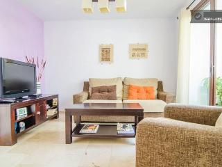 New apartment with big pool, Frigiliana