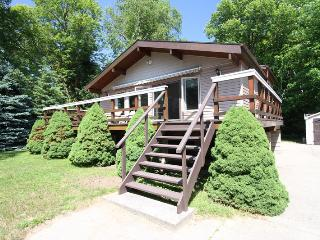 R Place cottage (#886), Sauble Beach