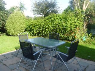 Peaceful Countryside Cottage, Parking, WiFi, Tenby