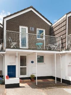 Aisla Cottage