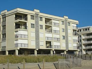 Waikiki 406 - Oceanfront in North OCMD!