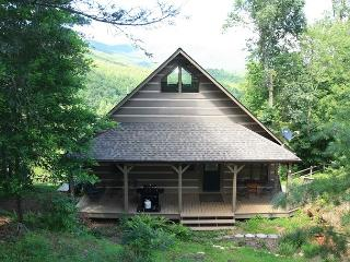 Scout's Playground enjoy tremendous views, log cabin with lots of extras, Blowing Rock