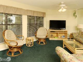 Sandpiper 11B ~ Enjoy Gulf Breezes Through the Palms ~Bender Vacation Rentals, Gulf Shores