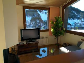 ATTIC LA PLETA - EL TARTER - ON FRONT SKI SLOPES