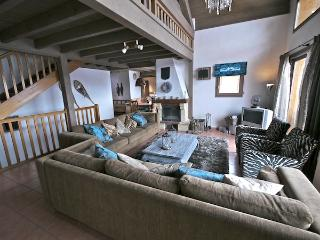 Belle Vue - stunning 18p ski chalet with sauna and direct access to the piste, Vallandry