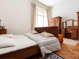 Classic flat in Heart of City, Budapeste