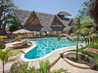 Waterside Villa Tiwi Beach