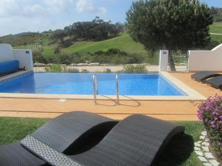 Stunning 3 bed villa with pool- Golf & Beach, Budens