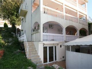 Kotorska apartment near the sea