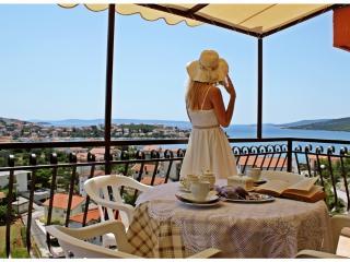 Beautiful Sea View Apartment in peaceful area #1