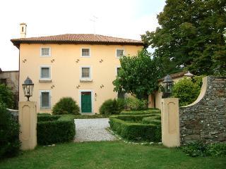CASA DUE TIGLI, Capriva del Friuli