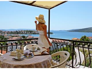 Beautiful Sea View Apartment in peaceful area #2